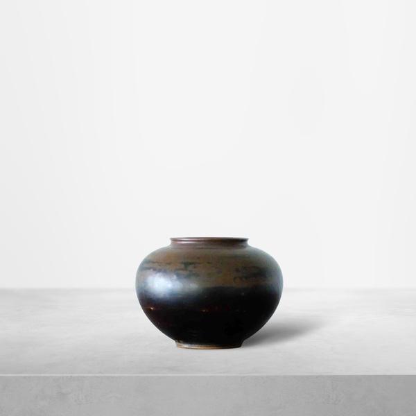 Hans Henrik Hansen for Royal Copenhagen, earthy dark tones ceramic small vase, 1940s.
