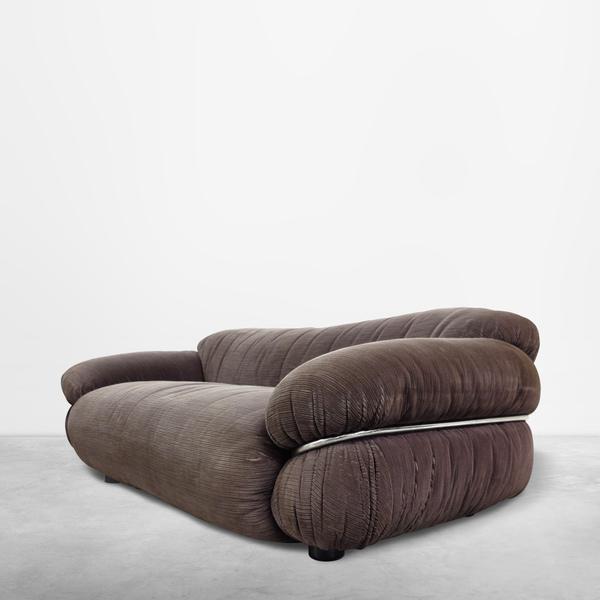 "Gianfranco Frattini for Cassina, Italian Mid-Century ""Sesann"" pair of two seater sofas in original corduroy upholstery, 1968"
