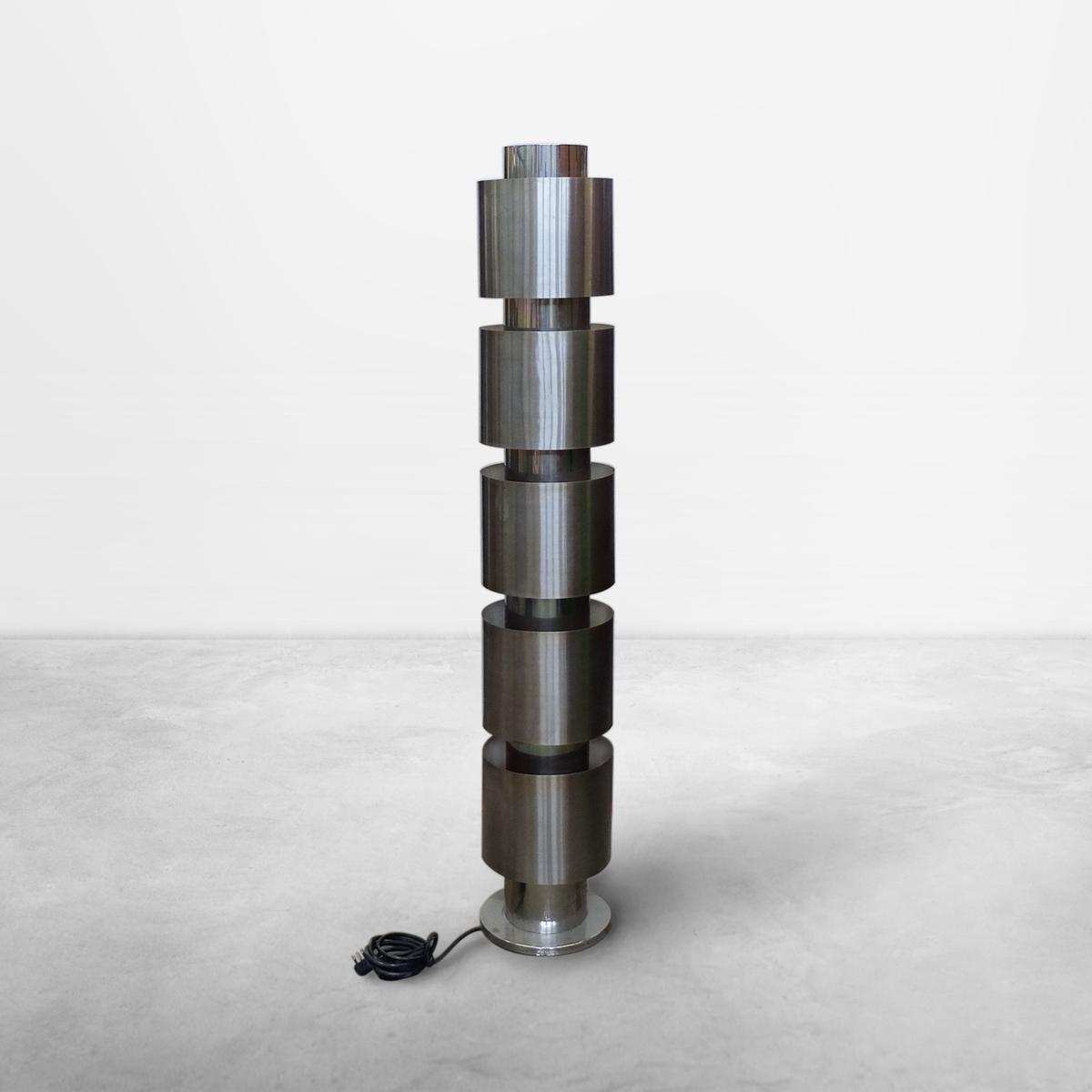 Italian Mid-Century Geometrical Chromed Metal Floor Lamp, 1970s
