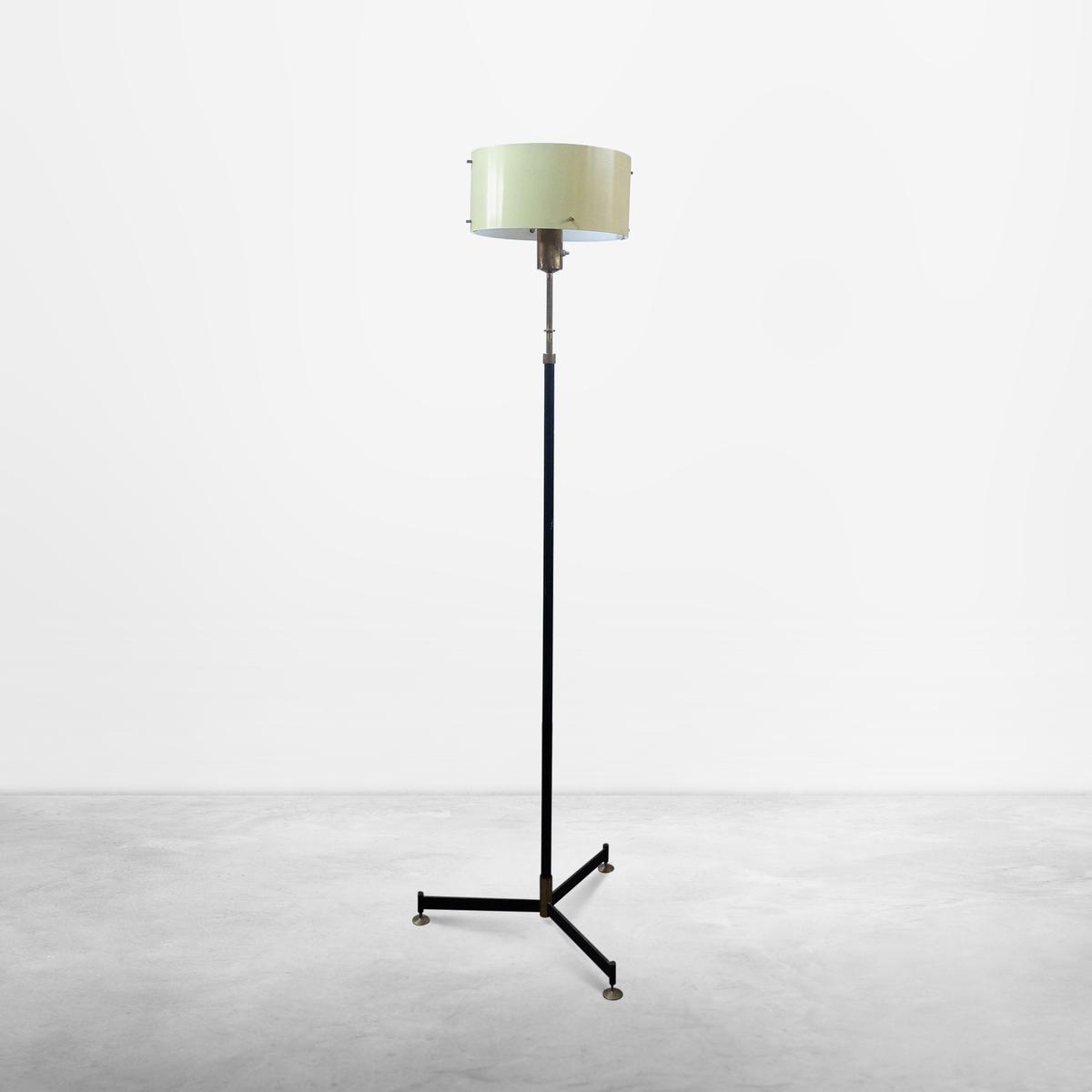 Italian Mid-Century Modern Floor Lamp with adjustable height, 1960s