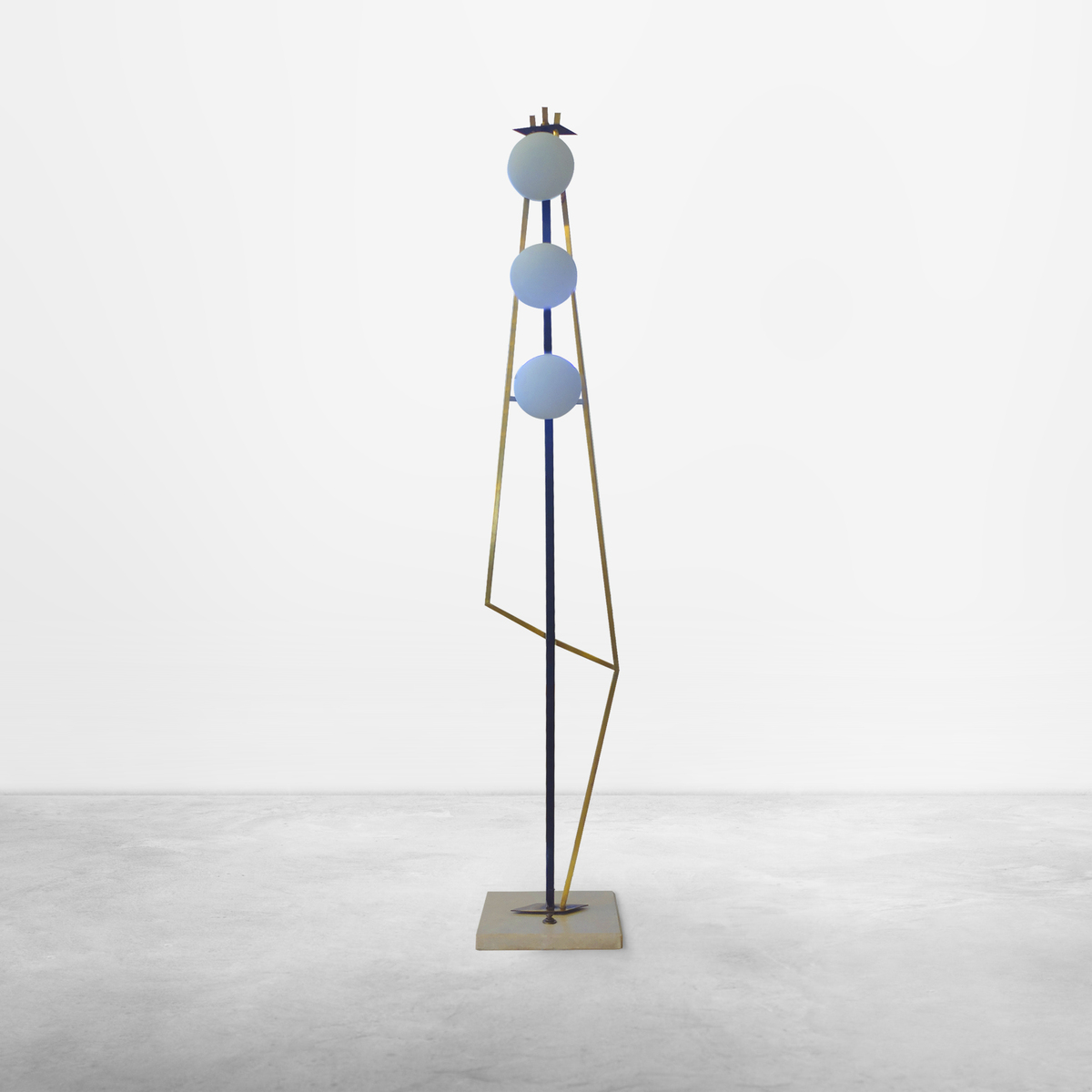 Italian Mid-Century Modern Geometric Brass Floor Lamp, attributed to Stilnovo